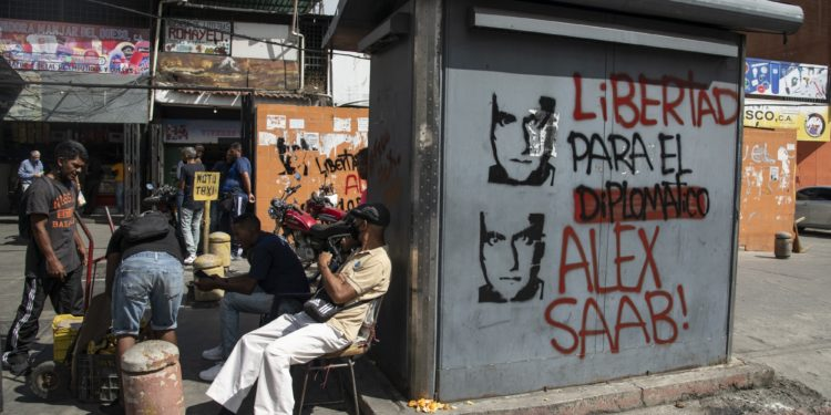 "Graffiti that reads in Spanish ""Freedom For The Diplomat Alex Saab"" in Caracas, on Feb. 4.Photographer: Carlos Becerra/Bloomberg"